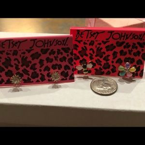 NWT•Betsey dainty post earrings combo 2 for 1